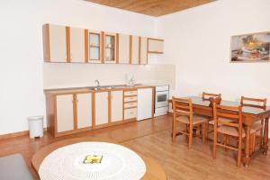 Apartment Vrsi - Mulo 5796d, Apartmány  Vrsi - big - 2