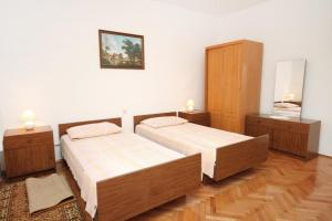Apartment Vrsi - Mulo 5796c, Apartmány  Vrsi - big - 9