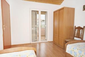 Apartment Vrsi - Mulo 5796d, Apartmány  Vrsi - big - 5