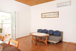 Apartment Vrsi - Mulo 5796d, Apartmány  Vrsi - big - 4