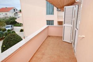 Apartment Vrsi - Mulo 5796d, Apartmány  Vrsi - big - 13