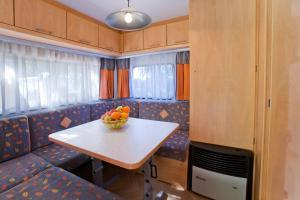 Caravan (2 Adulti)