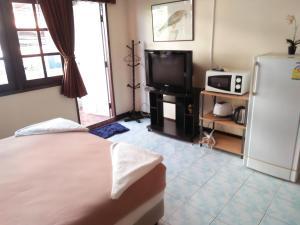 Stefan's Guesthouse, Penziony  Jomtien - big - 5