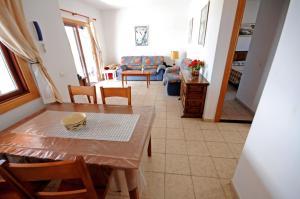 Villa Burgao, Villen  Playa Blanca - big - 8