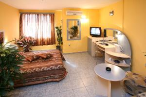 Hotel Color, Hotely  Varna - big - 79