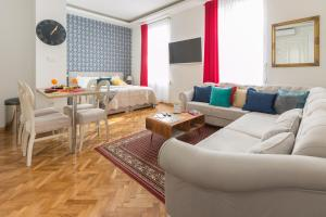 Aurelia Antik apartments & rooms, Guest houses  Zagreb - big - 23