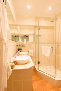 Standard Zimmer mit Kingsize-Bett oder 2 Einzelbetten