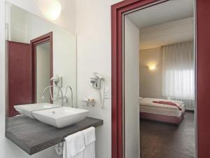 Hotel Rio Garni, Hotely  Locarno - big - 9
