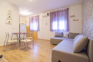 Apartment Gustirna 11703a, Apartmány  Marina - big - 13