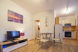 Apartment Gustirna 11703a, Apartmány  Marina - big - 10