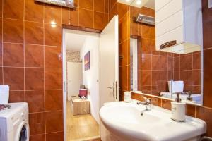 Apartment Gustirna 11703a, Apartmány  Marina - big - 3