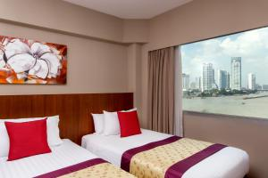 Deluxe Triple Room with River View
