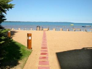 The Beach Condominium Hotel Resort, Aparthotels  Traverse City - big - 16