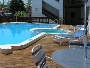 The Beach Condominium Hotel Resort, Aparthotels  Traverse City - big - 27