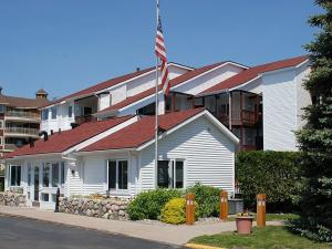 The Beach Condominium Hotel Resort, Aparthotels  Traverse City - big - 29