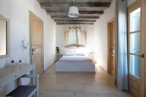 Olia Hotel, Hotels  Tourlos - big - 18