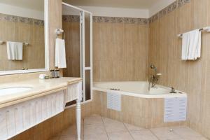 Hotel Bellavista, Hotel  Puerto Varas - big - 6