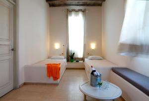 Olia Hotel, Hotel  Tourlos - big - 34