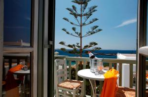 Olia Hotel, Hotel  Tourlos - big - 35