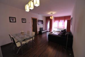 Apartamentos Turisticos Veladiez, Ferienwohnungen  La Lastrilla - big - 9