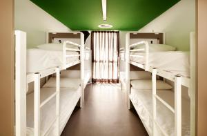 Bed in 10-Mixed Bed Dormitory Room