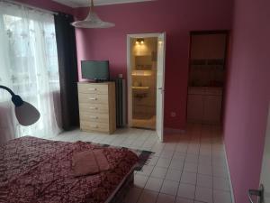 Tarr Apartmanok, Penziony  Keszthely - big - 36