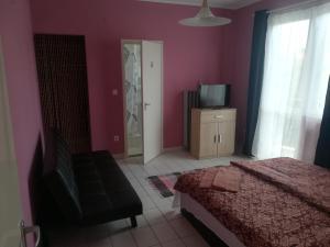 Tarr Apartmanok, Penziony  Keszthely - big - 35