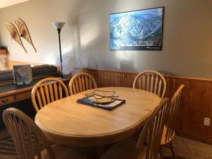 Mountain Legacy - Silver Star Stays, Apartments  Silver Star - big - 7