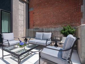 Premium Terrace King