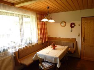Ferienhaus Unterkircher, Ferienwohnungen  Heiligenblut - big - 10