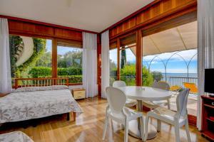 La Villa Fasano, Apartmánové hotely  Gardone Riviera - big - 149