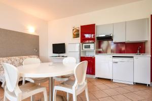 La Villa Fasano, Apartmánové hotely  Gardone Riviera - big - 129
