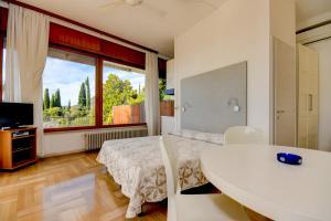 La Villa Fasano, Apartmánové hotely  Gardone Riviera - big - 118