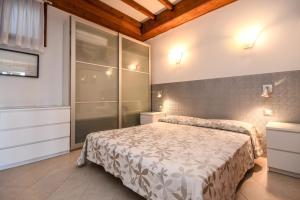 La Villa Fasano, Apartmánové hotely  Gardone Riviera - big - 99
