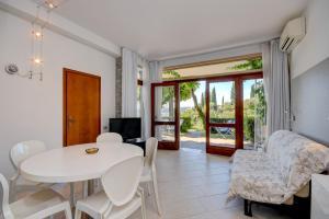 La Villa Fasano, Apartmánové hotely  Gardone Riviera - big - 97