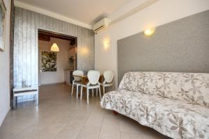 La Villa Fasano, Apartmánové hotely  Gardone Riviera - big - 82