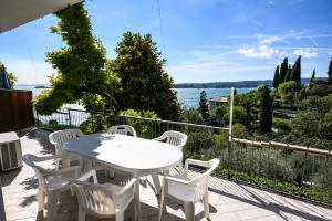 La Villa Fasano, Apartmánové hotely  Gardone Riviera - big - 64