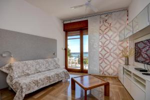 La Villa Fasano, Apartmánové hotely  Gardone Riviera - big - 46
