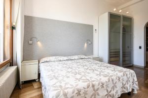 La Villa Fasano, Apartmánové hotely  Gardone Riviera - big - 43