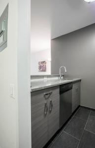 Luxury 2 Bedrooms Apartment Murray Hill, Apartmány  New York - big - 57