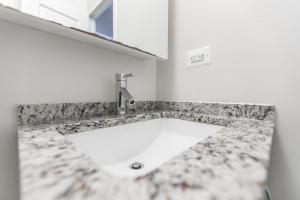 Luxury 2 Bedrooms Apartment Murray Hill, Apartmány  New York - big - 18