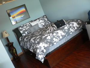 Lower Queen Suite