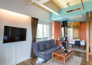 Grand Suite Family with Grand Palace View