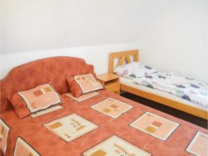 Holiday home Keszeg u-Balatonmariafürdö, Holiday homes  Balatonkeresztúr - big - 16