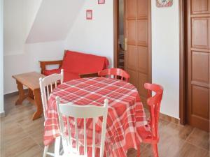 Holiday home Keszeg u-Balatonmariafürdö, Holiday homes  Balatonkeresztúr - big - 15