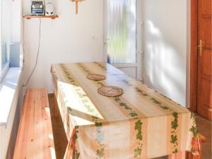 Holiday home Keszeg u-Balatonmariafürdö, Holiday homes  Balatonkeresztúr - big - 11