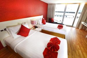 Premier Deluxe Double or Twin Room