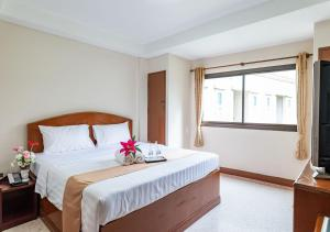 Standard Double Room with Street Wing