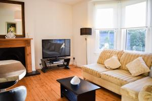 Spacious 3 Bedroom Apartment in Edinburgh