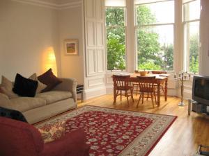 Botanic Garden 2 Bedroom Apartment in Edinburgh